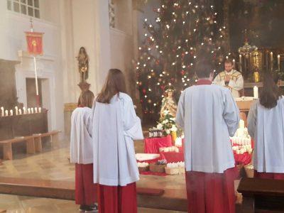 Ministranten im Gottesdienst